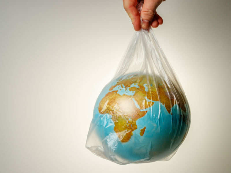 4 lifestyle habits to help us reduce our use of plastic